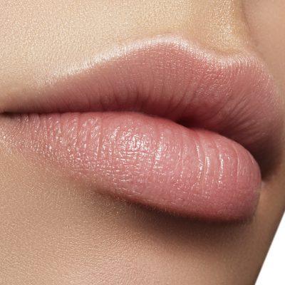 Aumento volume labbra con filler